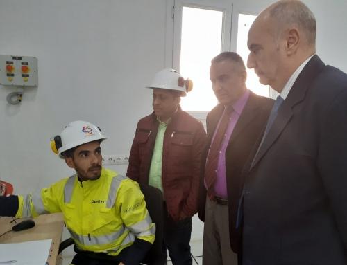Monsieur le Wali de Ouargla en visite a l'unité de production CALGAZ ALGERIE Ouargla  Exemplaire  Exemplaire